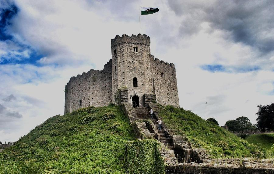 Castle on a hill with a Welsh flag2