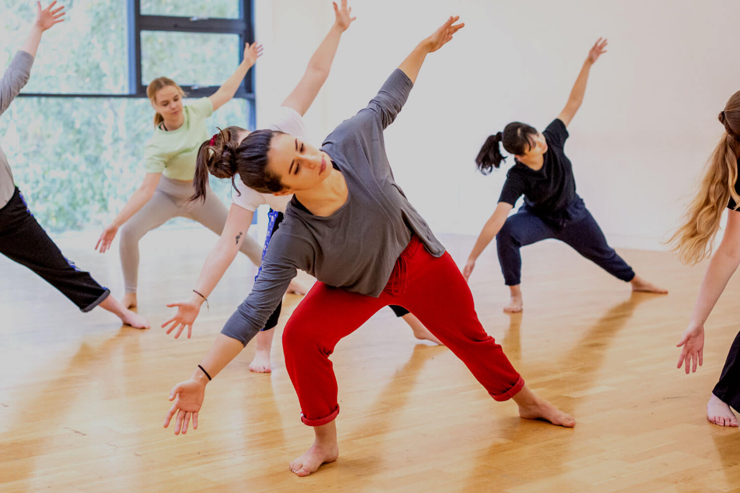 Dancers stretching in studio2
